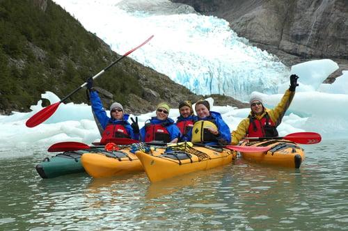 KAY050_Patagonia_Kayaking Grey Lake