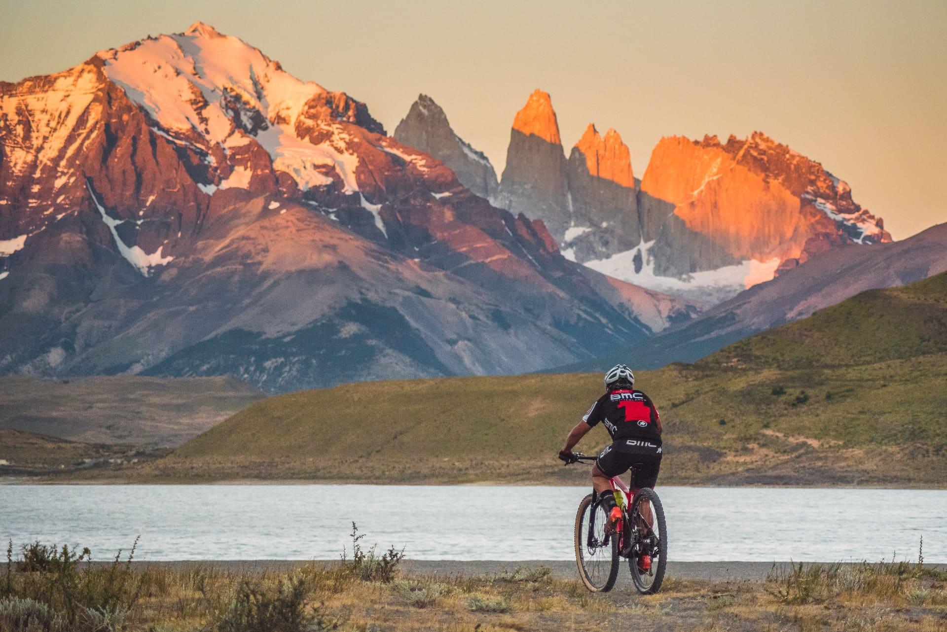 PAT027 _ Torres del Paine _ Biking Laguna Azul Area